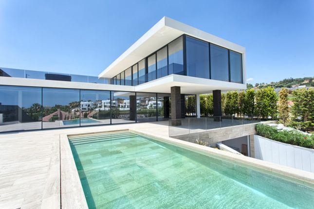 Thumbnail Villa for sale in Nueva Andalucia, Malaga, Spain