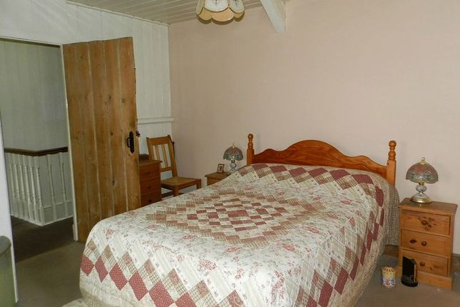 Bedroom 1 of Talgarreg, Llandysul SA44