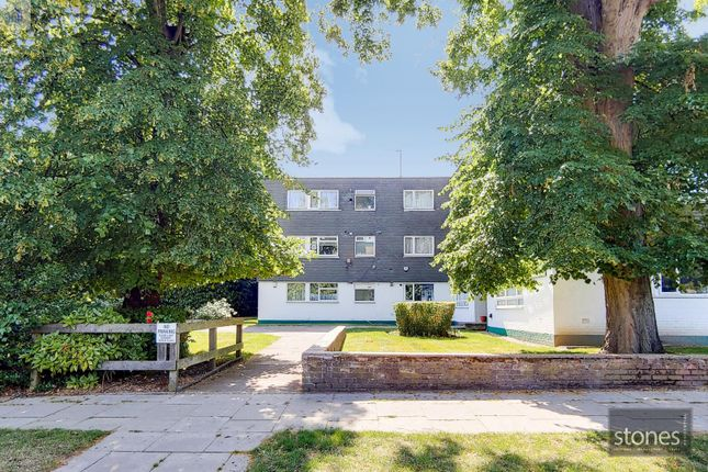 Thumbnail Flat to rent in Amberdene, Stanmore