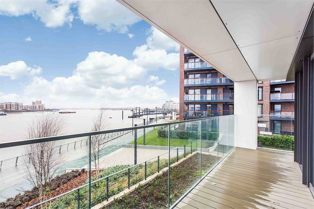 Thumbnail Flat for sale in Hampton Apartments [Waterfront I], Duke Of Wellington Avenue, Royal Arsenal Riverside