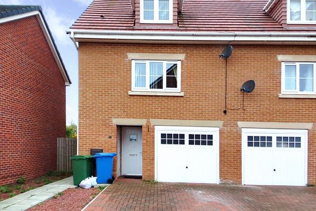 Thumbnail Town house for sale in Horton Park, Blyth