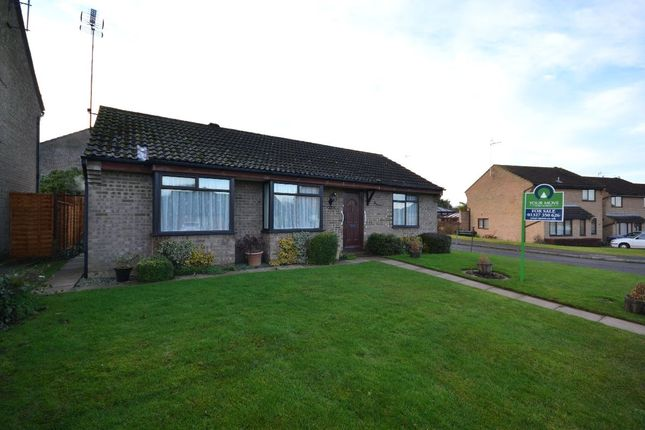 Thumbnail Bungalow for sale in Magpie Road, Towcester