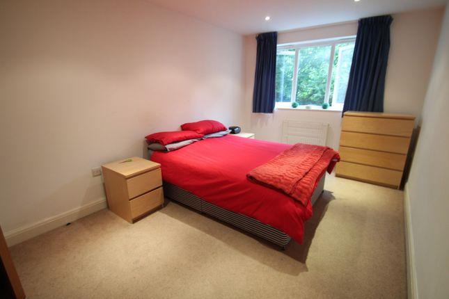 Bedroom of Grovehill Road, Redhill RH1