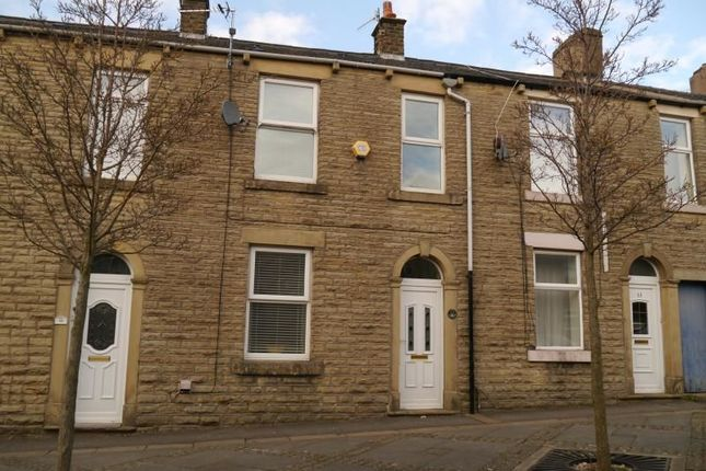Thumbnail Terraced house to rent in Freetown, Glossop
