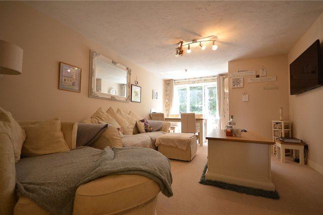 Living Room Alt of Masefield Gardens, Crowthorne, Berkshire RG45