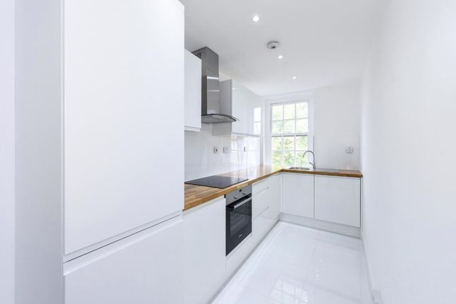 Kitchen-1134 of Hampstead High Street, London NW3
