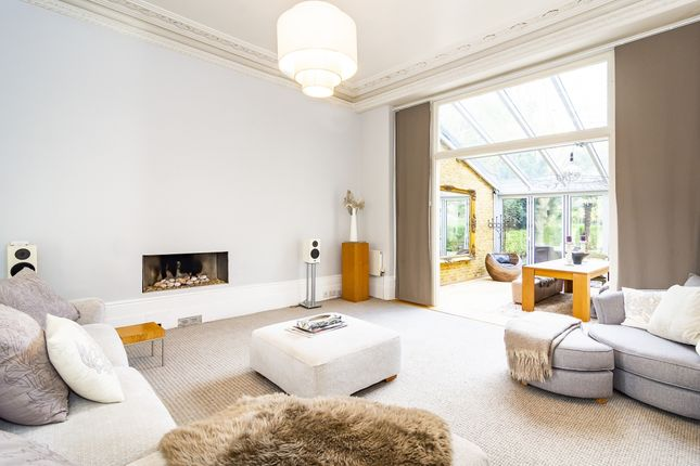 Thumbnail Flat to rent in North Common Road, London