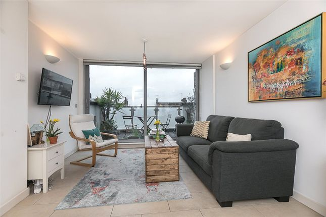 Thumbnail Property for sale in Godson Street, Islington, London
