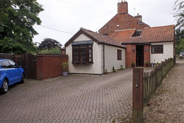 4 bed semi-detached house for sale in Norwich Road, Roughton, Norwich, Norfolk