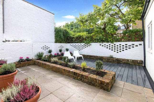 2 bed maisonette for sale in Willoughby Road, Hampstead, London NW3