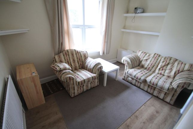 Thumbnail Flat to rent in Crescent Road, Luton