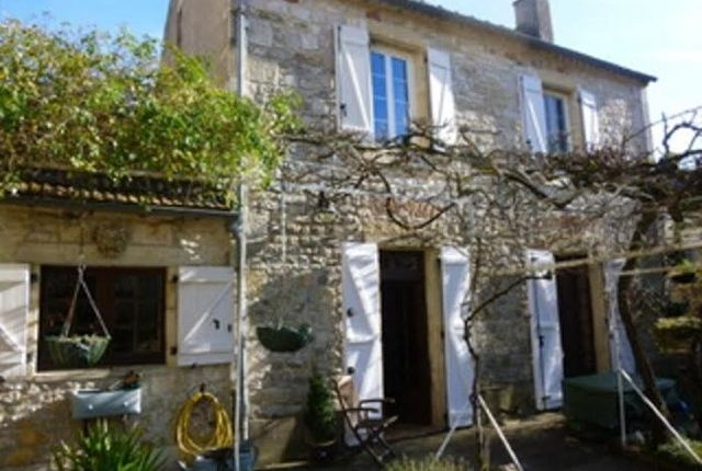 2 bed detached house for sale in Payrac, Lot, Midi-Pyrénées, France