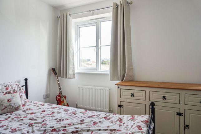 Bedroom of Maplesden Close, Lowestoft NR32