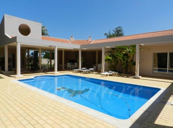 Thumbnail Villa for sale in Quarteira, Loule, Algarve, Portugal