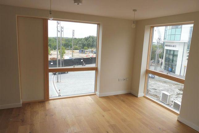 Thumbnail Flat to rent in Elwick Road, Ashford
