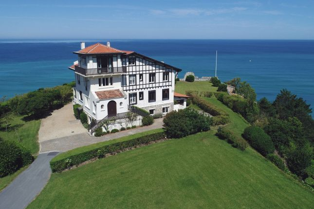 Thumbnail Property for sale in 64200, Biarritz, France