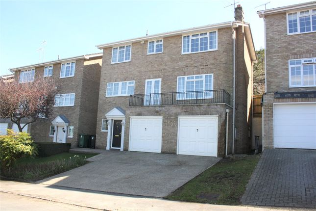 Thumbnail Detached house to rent in Harcourt Close, Henley-On-Thames, Oxfordshire