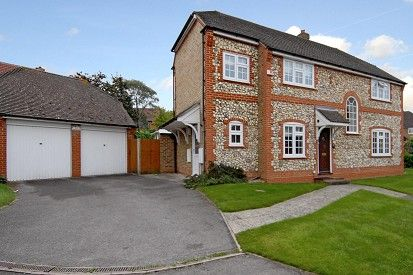 Thumbnail Detached house to rent in Saturn Croft, Winkfield Row