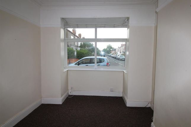 Lounge of 217 Heneage Road, Grimsby, N E Lincolnshire DN32