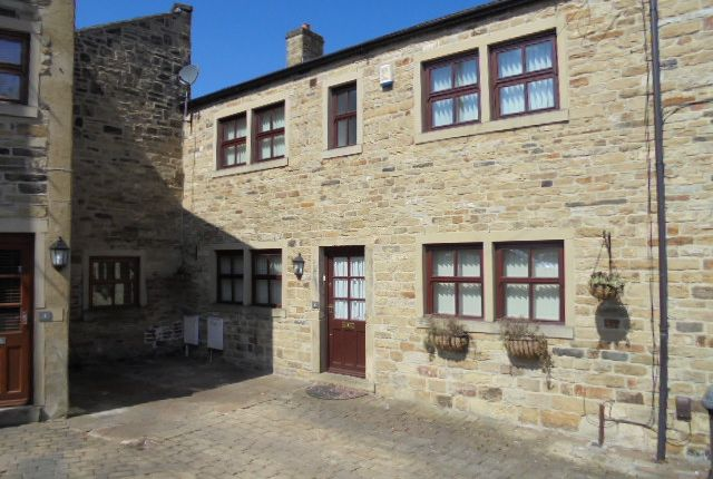 Thumbnail Cottage to rent in Clifton Fold, Clifton Road, Pudsey