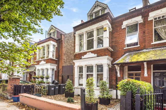 Thumbnail Flat to rent in Thornton Avenue, London