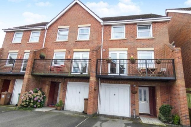 Thumbnail Town house to rent in Filby Gardens, St. Helens
