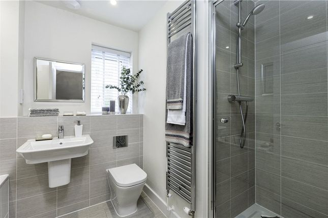 En Suite of Oakham Park, Old Wokingham Road, Crowthorne RG40