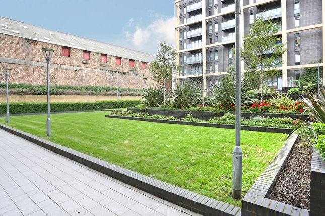 Grounds of Kennet House, Wandsworth SW18