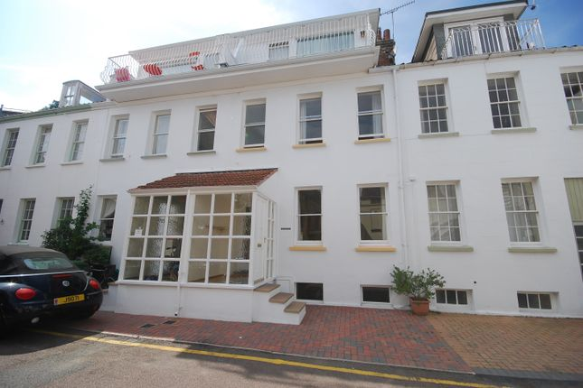 Thumbnail Town house to rent in The Bulwarks, St Aubin