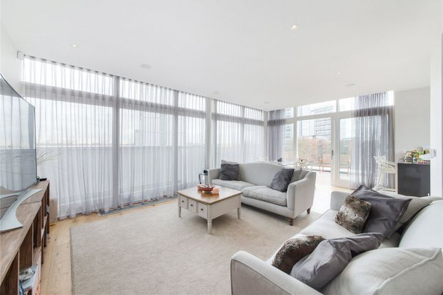 Flat to rent in Amberley Road, London