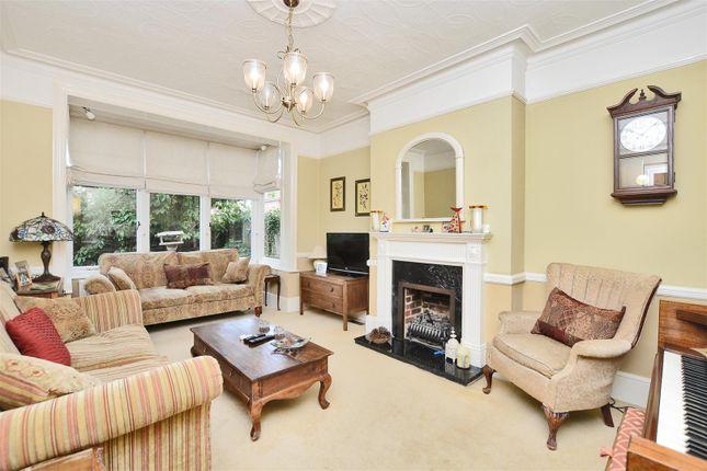 Living Room of Angel Road, Thames Ditton KT7
