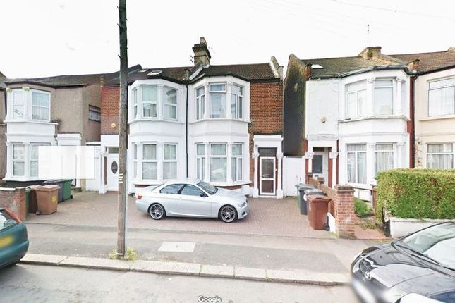 Thumbnail Terraced house to rent in Markhouse Avenue, London