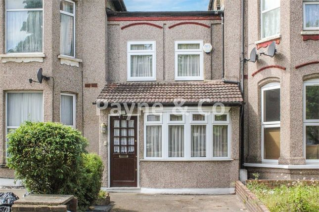 Thumbnail Cottage for sale in Mansfield Road, Ilford