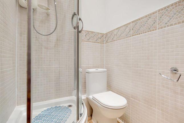 5_Bathroom 2-0 of Queensway, London W2