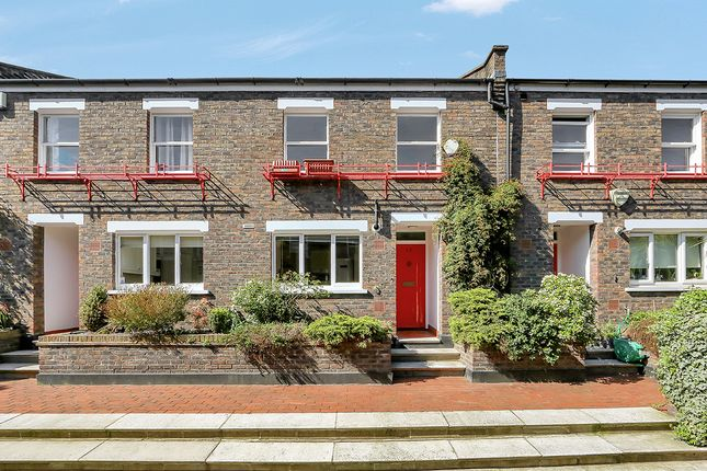 Thumbnail Terraced house to rent in Herald's Place, London