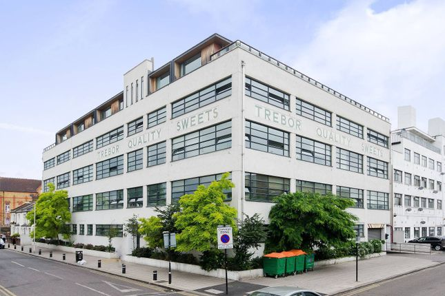 Thumbnail Flat to rent in Bridgepoint Lofts, Forest Gate, London E78Pl