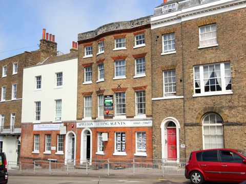 Office to let in Cecil Square, Margate
