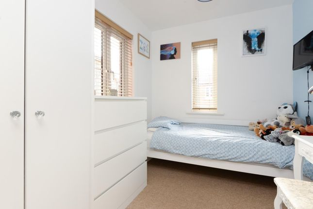Bedroom of Swaffer Way, Singleton, Ashford TN23