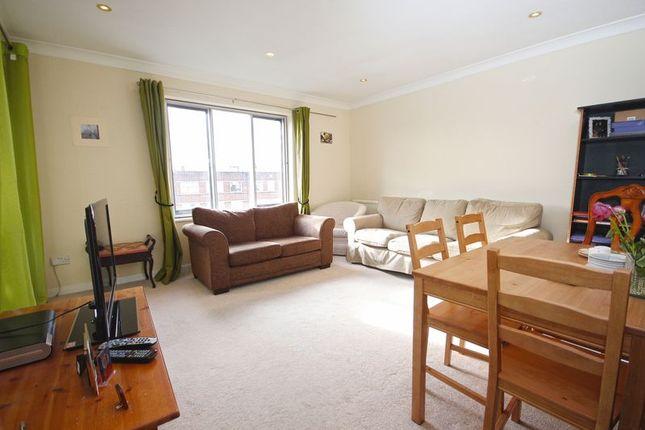 Reception Room of Oakdene Close, Hatch End, Pinner HA5