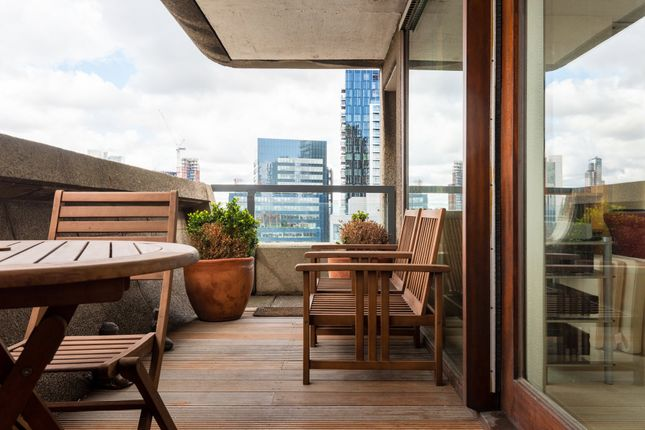 Flat for sale in Barbican, London