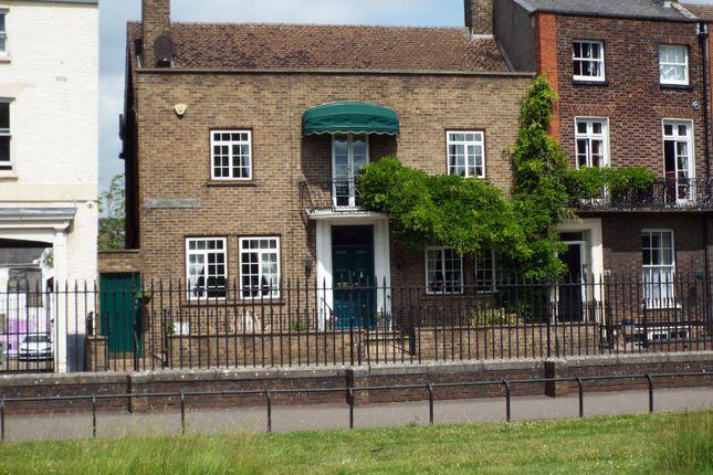 4 bed semi-detached house for sale in Kings Lynn, Norfolk, Uk PE30