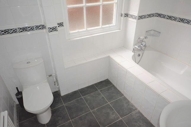 Bathroom of Westgate Street, Branksome House, Cardiff. CF10