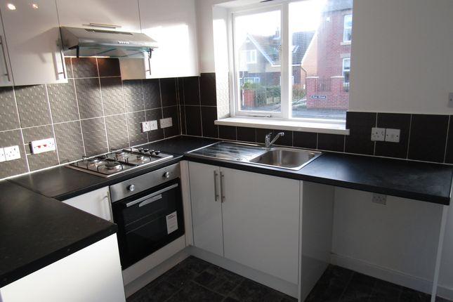 Thumbnail Semi-detached house to rent in Cross Street, Horbury, Wakefield