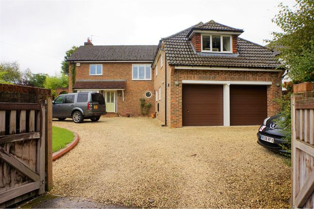 Thumbnail Detached house for sale in London Road, Liphook