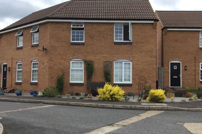 Thumbnail Maisonette to rent in Clarendon Close, Corby