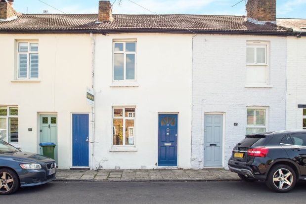 Thumbnail Cottage to rent in Bell Road, East Molesey