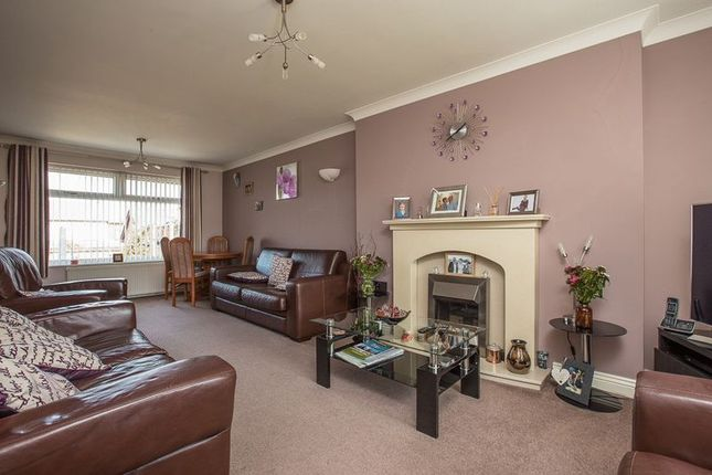 Lounge of Holmes House Avenue, Winstanley, Wigan WN3
