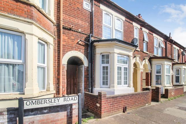 3 bed terraced house to rent in Ombersley Road, Bedford MK42