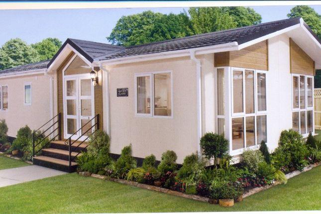 Thumbnail Mobile Park Home For Sale In Newton Homes St Faith