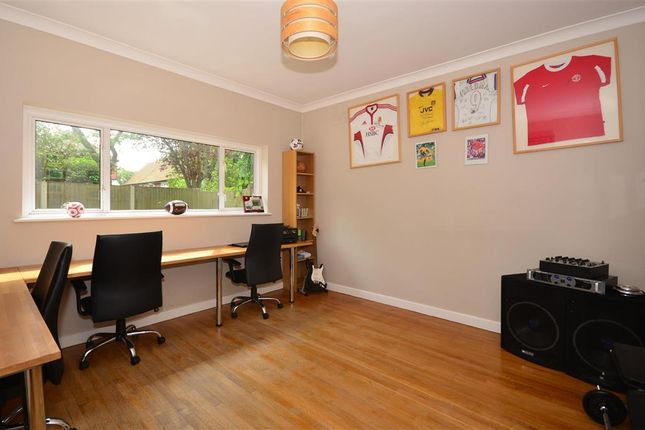 Family Room of Banstead Road South, Sutton, Surrey SM2